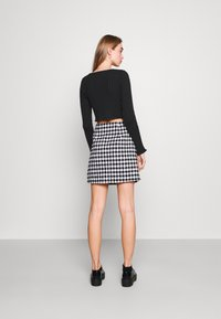 Milk it - HOOK AND EYE FRONT FAS - Cardigan - black - 2