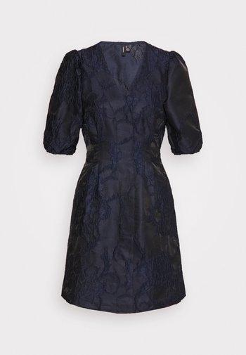 VMJACARLA SHORT DRESS - Cocktailkjoler / festkjoler - night sky