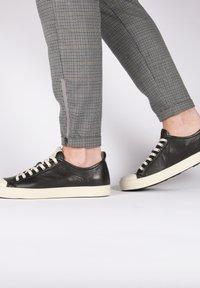 Blackstone - Sneakers - black - 3