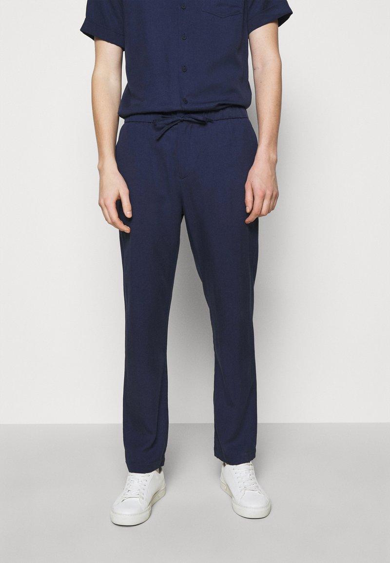 Frescobol Carioca - SPORT - Pantalon classique - dark blue
