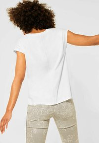 Street One - MIT STICKEREI - Print T-shirt - weiß - 2