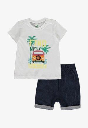 SET  - Shorts di jeans - white