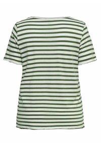ONLY Carmakoma - CURVY - Print T-shirt - cloud dancer - 1