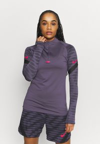 Nike Performance - DRY STRIK - Sportshirt - dark raisin/black/siren red - 0