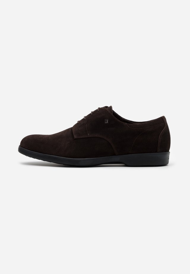 Casual lace-ups - dublin cacao