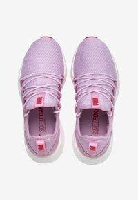 Puma - NRGY NEKO - Sportschoenen - pale pink-white-hibiscus - 2