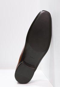 Azzaro - OUTINO - Smart lace-ups - cognac - 4