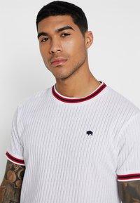 Bellfield - SPORTS RIB RAGLAN - Print T-shirt - white - 4