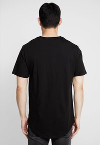Only & Sons - ONSMATT LONGY TEE 3 PACK - T-shirt basic - black - 2
