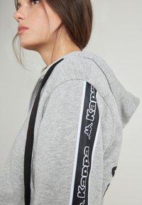 Tezenis - MIT KAPPA KAPUZE - Zip-up hoodie - grigio melange chiar - 3