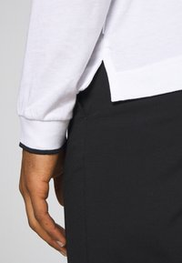 Calvin Klein Tailored - STRETCH PANT - Bukser - perfect black - 3