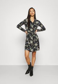 Vero Moda - VMSAGA - Košilové šaty - black/cassandra - 1