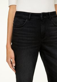 comma - MIT WASCHUNG - Jeans Skinny Fit - black - 3