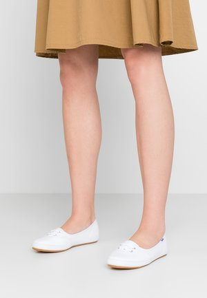 TEACUP - Trainers - white