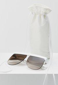 Courreges - Aurinkolasit - white - 2