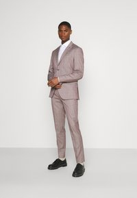 Selected Homme - SLHSLIM KNOXLOGAN CHECK SUIT SET - Traje - red dahlia/white - 0