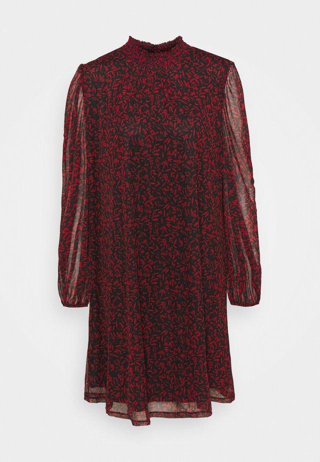 MINI BERRY SHIRRED NECK DRESS - Korte jurk - red