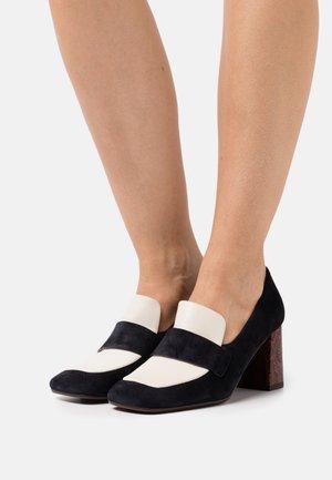 PIRIPI - Classic heels - navy/fox leche/coquer brick