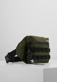 HXTN Supply - UTILITY TAPER CROSSBODY - Bum bag - olive - 3