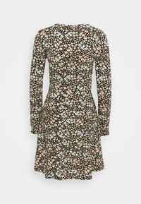Dorothy Perkins - CLUSTER DITSY PUFF SLEEVE SHEERED CUFF - Jerseykjole - green - 1