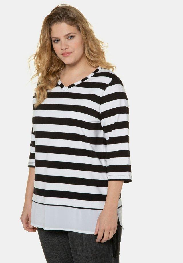 Sweater - black white stripe