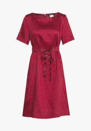 HAWAY - Denní šaty - bordeaux