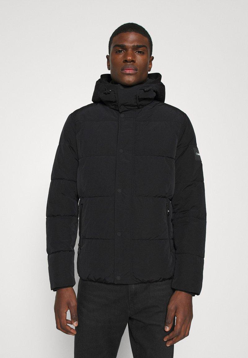 Calvin Klein - CRINKLE  - Zimní bunda - black