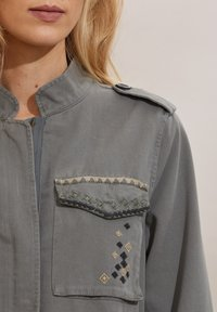 Odd Molly - JODIE - Summer jacket - faded cargo - 3