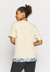 The North Face - LIBERTY TEE - Print T-shirt - bleached sand - 2