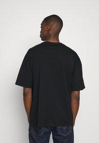 edc by Esprit - Camiseta estampada - black - 2