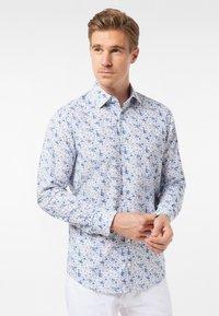 Pierre Cardin - GEBLÜMT - MODERN FIT - Shirt - light blue - 0