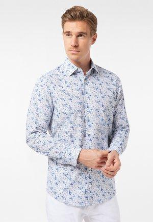 GEBLÜMT - MODERN FIT - Shirt - light blue