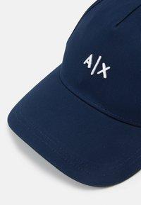 Armani Exchange - BASEBALL HAT UNISEX - Casquette - navy - 3