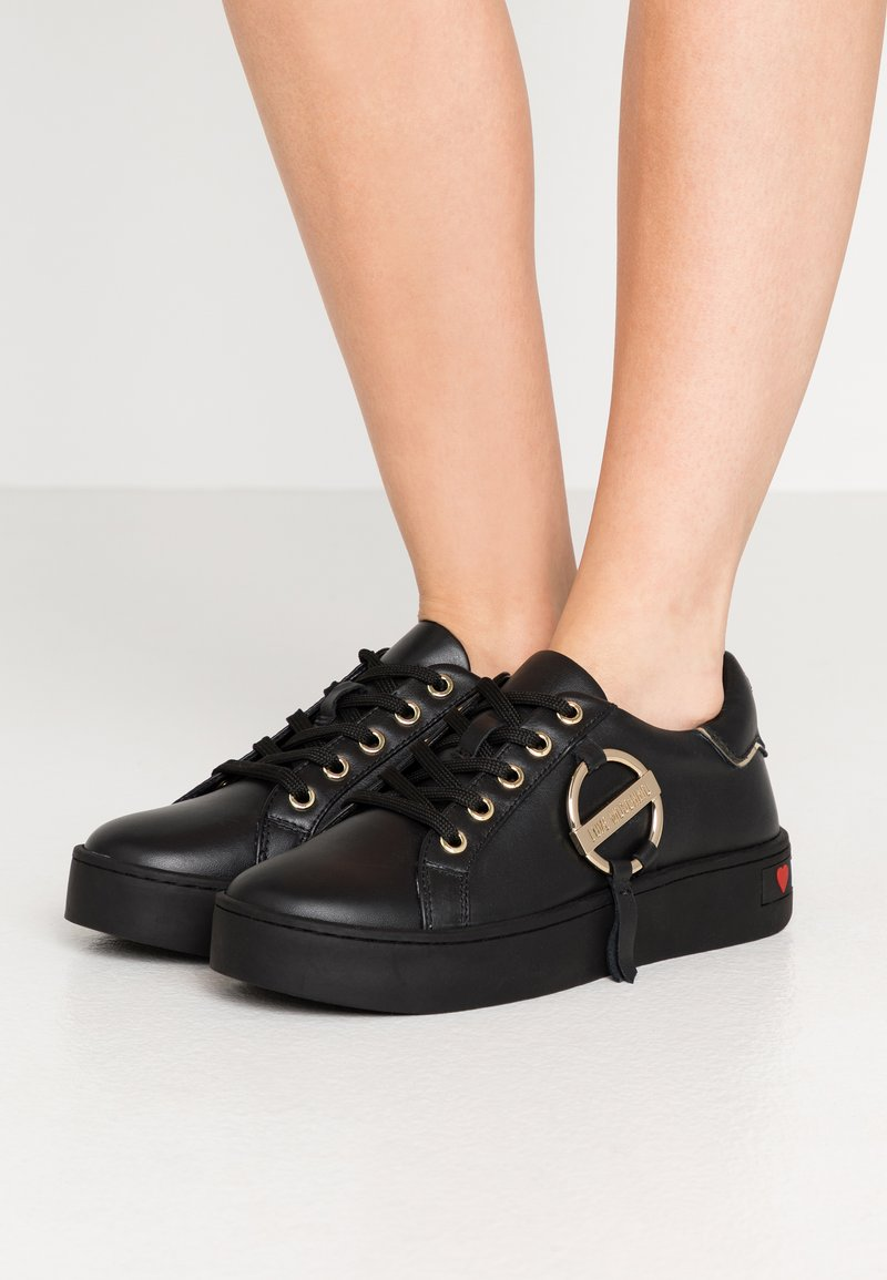 Love Moschino - DAILY LOVE - Zapatillas - black