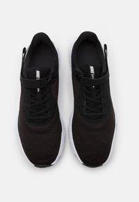 Nike Performance - REVOLUTION 5 FLYEASE - Zapatillas de running neutras - black/white/anthracite - 3