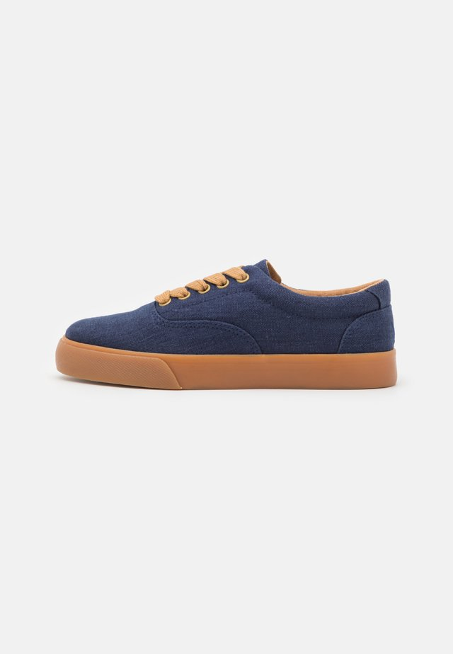 VENDETTA - Sneakers laag - navy