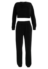 Missguided - CROPPED AND CUFFED JOGGERS SET - Træningsbukser - black - 0