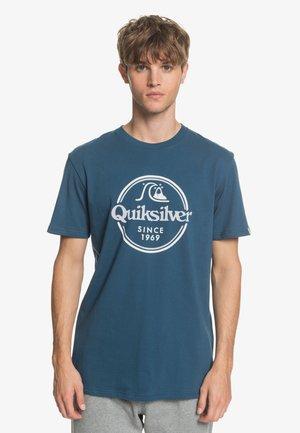 WORDSREMAINSS - Print T-shirt - majolica blue