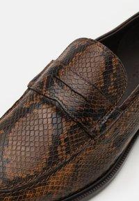 LAST STUDIO - FORBA - Scarpe senza lacci - brown - 5