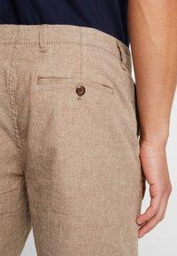 GAP - Shorts - khaki - 3