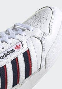 adidas Originals - CONTINENTAL 80 STRIPES UNISEX - Tenisky - footwear white/collegiate navy/vivid red - 8