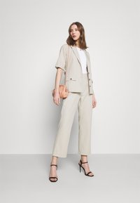 Fashion Union - STEAM - Blouse - taupe - 1
