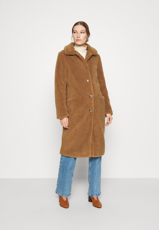 MOUSSY COAT - Cappotto invernale - indian tan