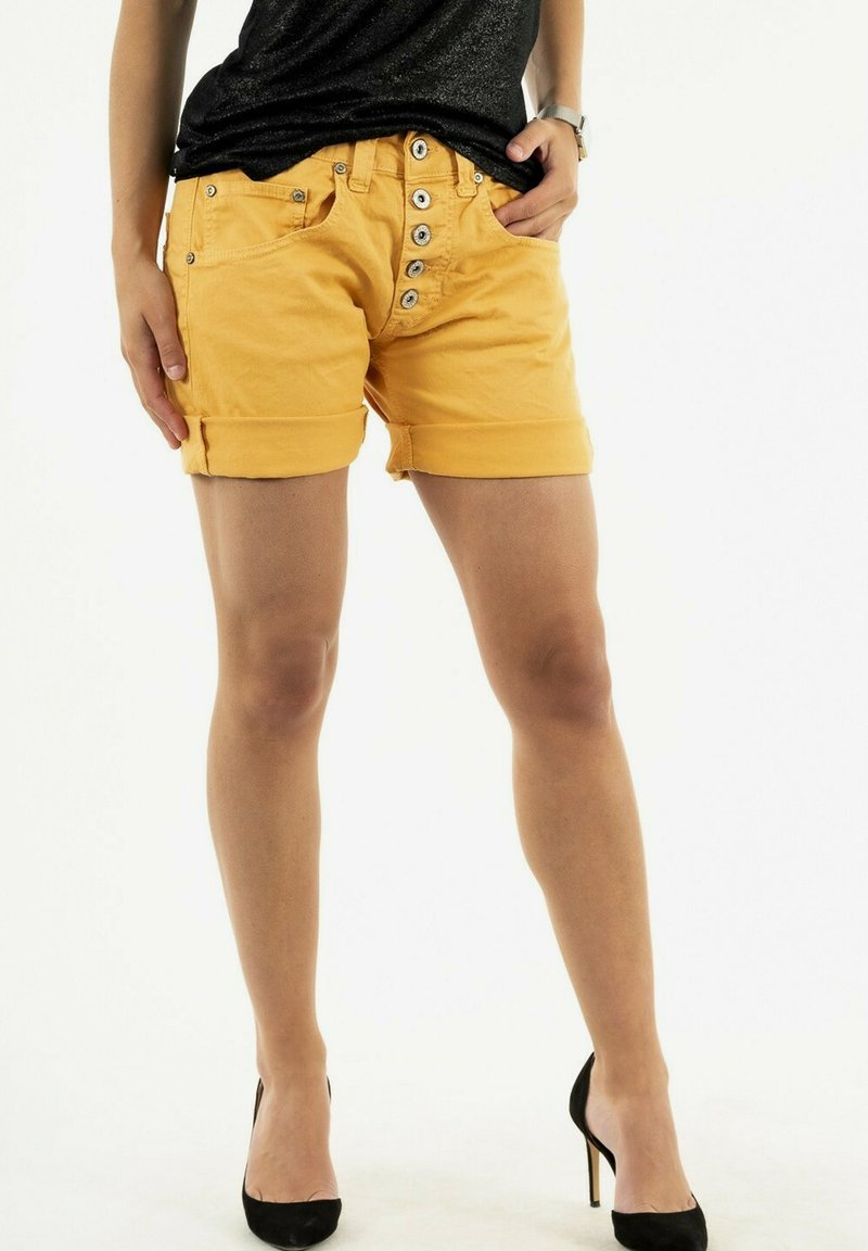 PLEASE - Shorts - yellow