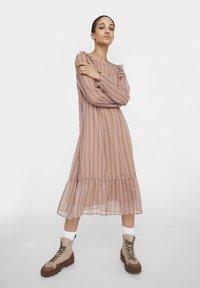 Noisy May - NM CHIFFON - Maxi dress - praline - 3