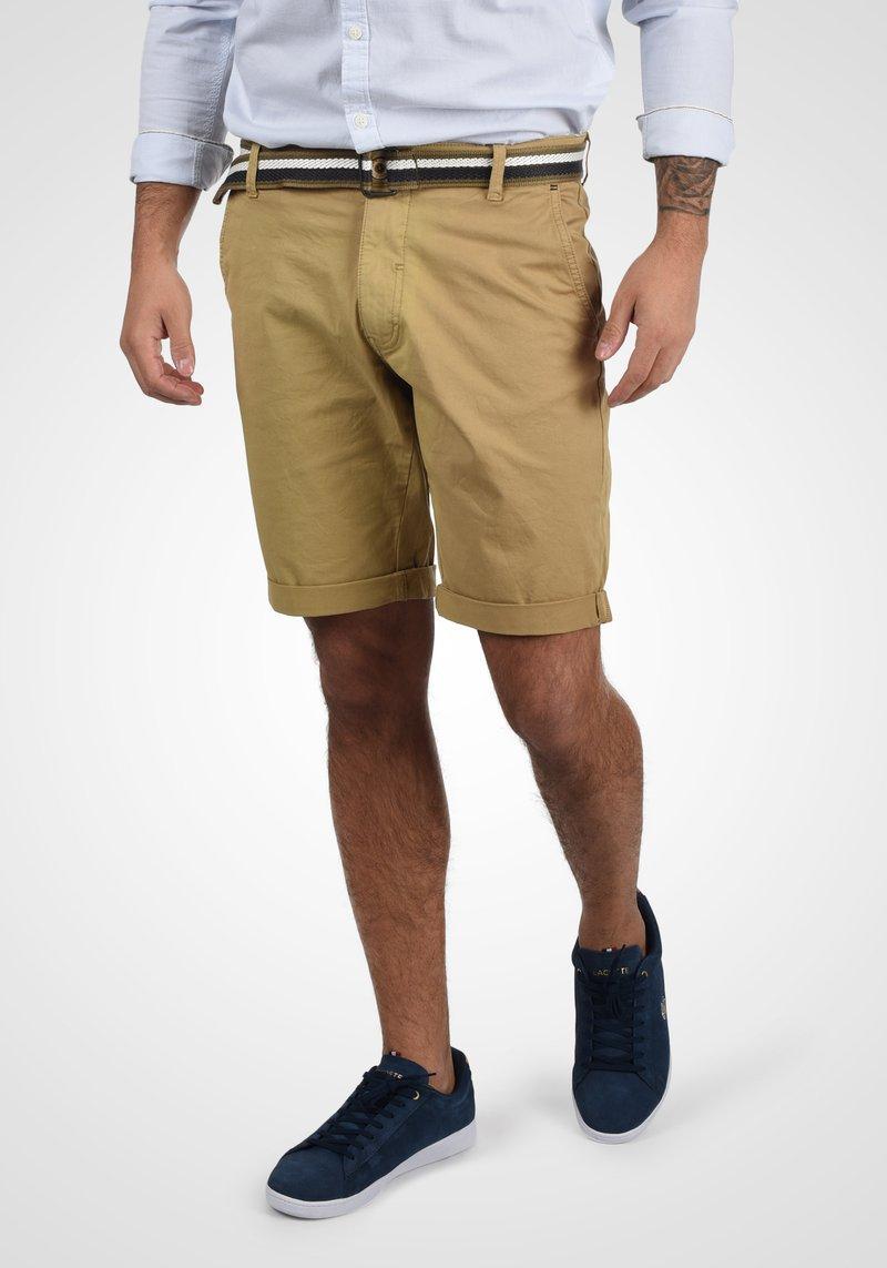Blend - BRUNO - Shorts - sand brown