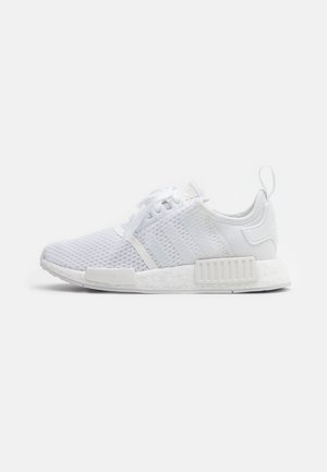 NMD_R1 BOOST SPORTS INSPIRED SHOES - Matalavartiset tennarit - footwear white