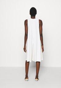 Max Mara Leisure - RIBALDO - Žerzejové šaty - white - 4