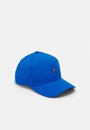 Czapka z daszkiem - signal blue