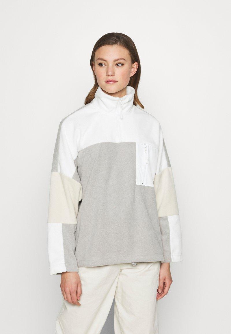 Monki - FOO  - Fleece jumper - grey